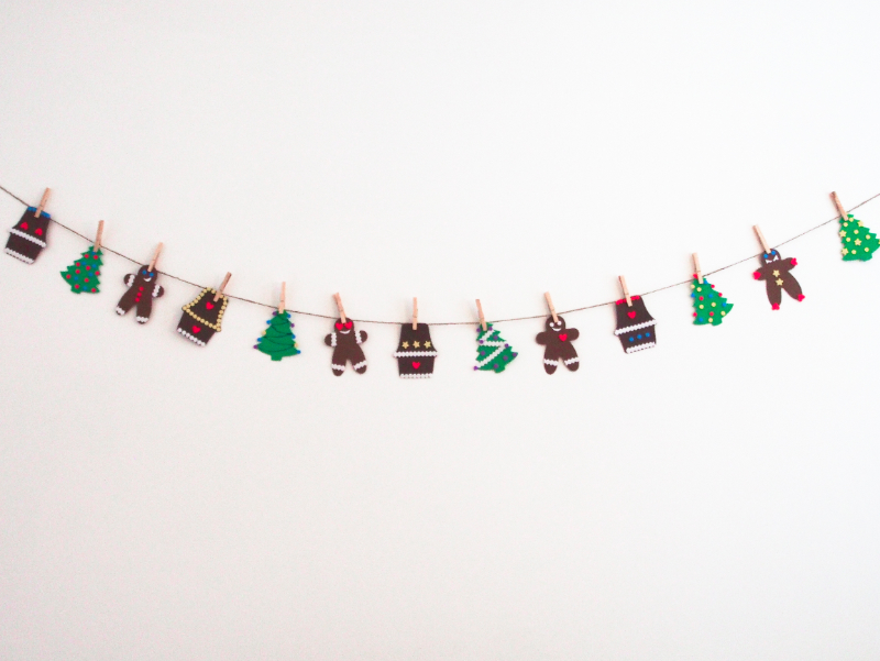 DIY Holiday- Tinsel on wall